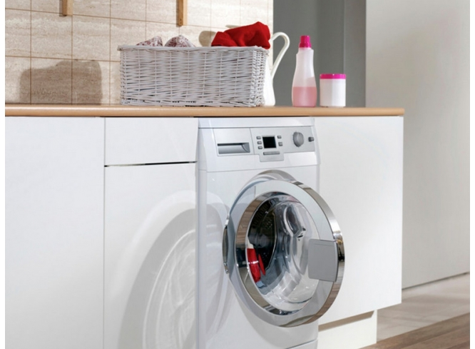 How Vinegar Can Help With Laundry