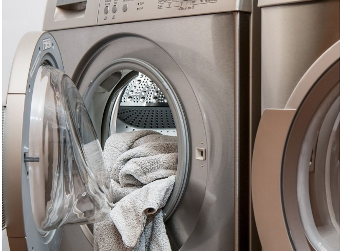 Can Clothes and Towels Spread Germs?